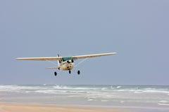 Hydroplan bierze daleko od plaży Fotografia Stock