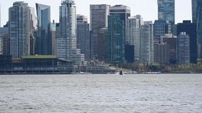 Hydroplan dotyka? puszek przy Vancouver morzem przeciw ?r?dmie?ciu 2 zbiory wideo