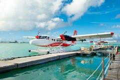 Hydroplane blisko drewnianego mola Obrazy Stock