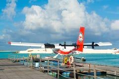 Hydroplane blisko drewnianego mola Zdjęcie Royalty Free