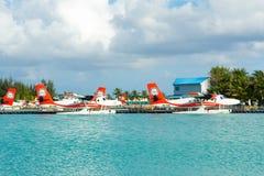 Hydroplane dans l'eau clair comme de l'eau de roche de turquoise Photo libre de droits