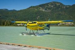 Hydroplane die terug van sightseeingsreis terugkeren stock afbeelding