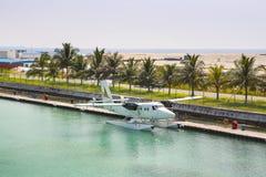 Hydroplane på den manliga flygplatsen Arkivfoto