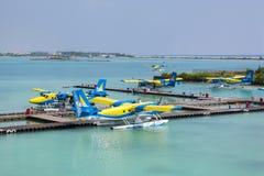 Hydroplane på den manliga flygplatsen Arkivbild