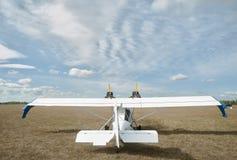 Hydroplane SK-12 Orion på liten flygplats Arkivfoto