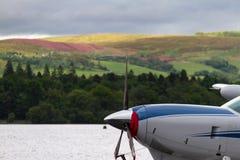 Hydroplane tła i śmigła jeziora widok Fotografia Stock