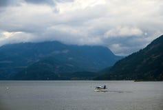 Hydroplane zdejmuje od Harrison jeziora fotografia stock