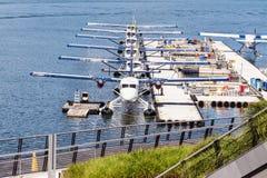 Hydroplanes angekoppelt in einem Hafen Lizenzfreies Stockfoto