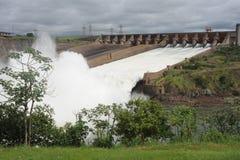 Hydropowerfördämning av Itaipu arkivbild