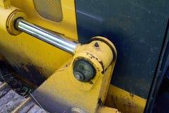 Hydrozylinder auf Planierraupe Lizenzfreie Stockfotos