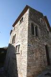 Hyeres fortificou edifícios com torre fotos de stock royalty free