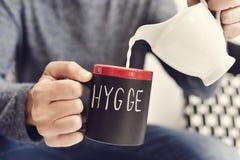 Hygge, Deens woord voor comfort of geniet van stock foto