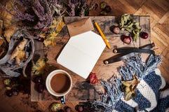 Hygge, paisaje nostálgico en otoño Fotografía de archivo libre de regalías