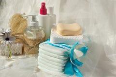 Hygiène réglée pour un bébé photographie stock