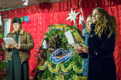 Hymnes de louange pour Noël le 8 janvier 2016 dans la région de Kaluga (Russie centrale) photographie stock