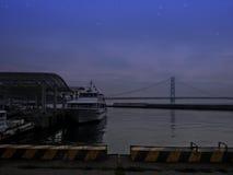 HYOGO, JAPAN - MEI 9, 2015: Nachtscène van Jenova-Lijnhaven op Awaji-Eiland, Hyogo Royalty-vrije Stock Afbeelding