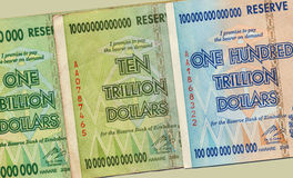 hyper inflation zimbabwe för sedlar Arkivbild