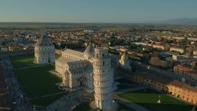 Hyperlapse aérien de tour penchée célèbre de Pise La Toscane, Italie clips vidéos
