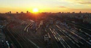 HyperLapse : Coucher du soleil à la gare ferroviaire centrale banque de vidéos