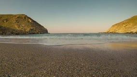 Hyperlapse da praia de Zorkos na ilha de Andros em Grécia Timelapse da praia de Zorkos na ilha de Andros em Grécia vídeos de arquivo
