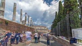 Hyperlapse del timelapse de Colosseum o del coliseo, también conocido como Flavian Amphitheatre y en Roma, Italia almacen de video