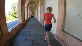 Hyperlapse do patamar do ` s de San Luca vídeos de arquivo