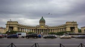 Hyperlapse do timelapse da catedral ou do Kazanskiy Kafedralniy Sobor de Kazan em St Petersburg video estoque