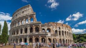Hyperlapse do timelapse de Colosseum ou de coliseu, igualmente conhecido como Flavian Amphitheatre em Roma, Itália filme