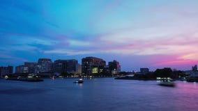 Hyperlapse, penombra drammatica di paesaggio urbano, Bangkok TAILANDIA video d archivio