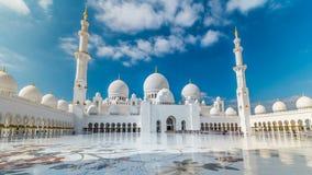 Hyperlapse timelapse шейха Zayed Грандиозн Мечети расположенное в Абу-Даби - столице Объединенных эмиратов видеоматериал