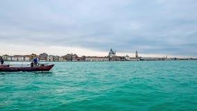 Hyperlapse van het waterverkeer van Venetië Cmera op vaporettoboot 4K stock video
