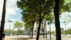 Hypertijdspanne van Arc de Triomphe in Parijs, Frankrijk stock videobeelden