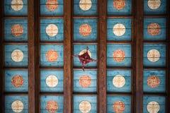 Hypnotisierende Decken des Glockenturms Trogir Kroatien stockbild