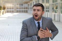 Hypochondrischer Geschäftsmann gesorgt um das Sterben stockfoto