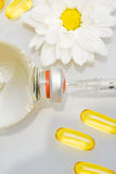 Hypodermatische Nadel und Drogen lizenzfreie stockbilder