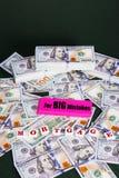 Hypothek: Staplungshunderte von den Dollar und vom earser mit großen Fehlern Stockbild