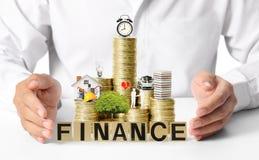 Hypothekenkonzept durch Geldhaus von den Münzen Lizenzfreies Stockfoto