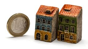 Hyra eller köphus eller lägenhet royaltyfri foto