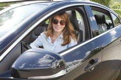 Hyra en bil royaltyfria bilder