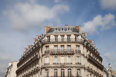 Hyreshus i Paris, Frankrike royaltyfri foto