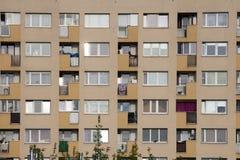 Hyreshus i Warszawa, Polen, Warszawa Arkivfoto