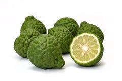 Hystrix dell'agrume, frutta del bergamotto su fondo bianco immagine stock libera da diritti