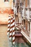 Hytt med högar Venedig italy Royaltyfri Fotografi