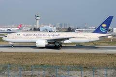 HZ-AKD沙乌地阿拉伯航空,波音777-268ER 免版税库存照片