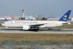 HZ-AKD Saudi Arabian Airlines, Boeing 777-268ER Royalty Free Stock Photos
