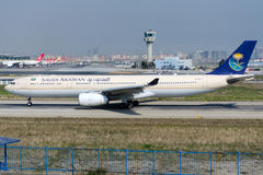 HZ-AQD Saudi Arabian Airlines, Airbus A330-343 Image stock