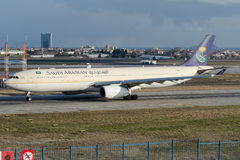 HZ-AQD Saudi Arabian Airlines, Airbus A330-343 Photos stock