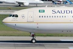 HZ-AQE Saudi Arabian Airlines Aerobus A330-343 Fotografia Royalty Free