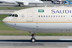HZ-AQE Saudi Arabian Airlines Airbus A330-343 Photographie stock libre de droits