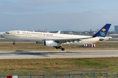 HZ-AQH Saudi Arabian Airlines Airbus A330-343 Photos stock